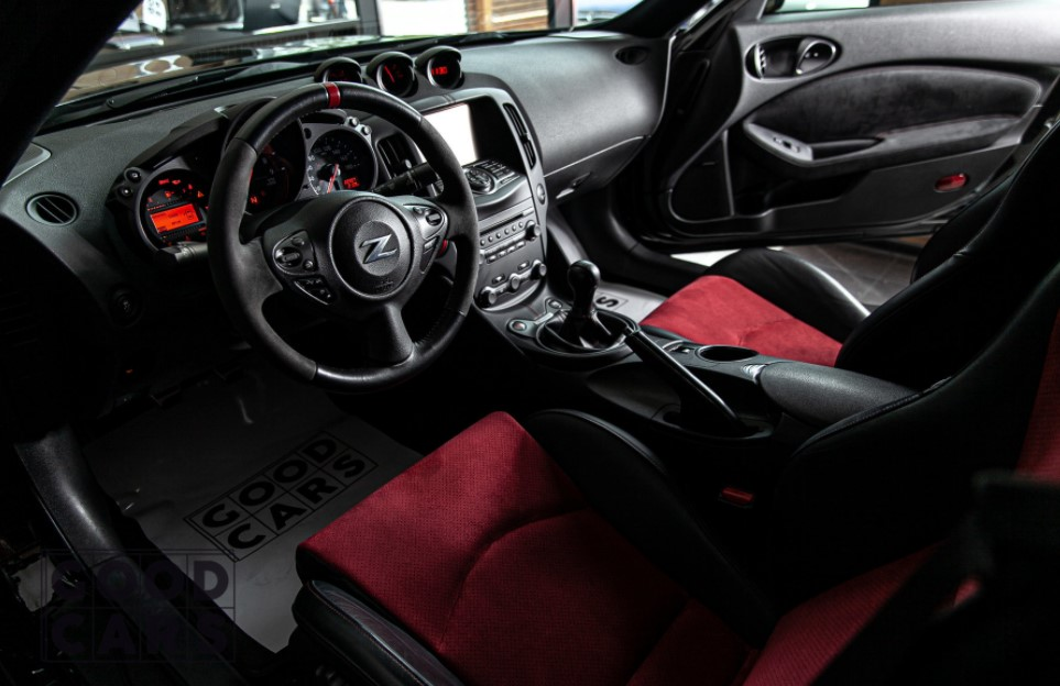 2021 Nissan 370Z Electric Interior