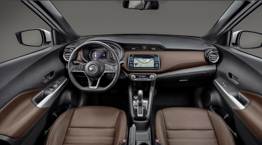 2022 Nissan Kicks SR Interior